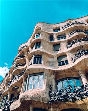Gaudí másik zseniális épülete, a Casa Milá